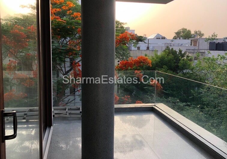 4 BHK Duplex Apartment for Sale in N- Block, Panchsheel Park South Delhi | Super Luxury Builder Floor with Terrace