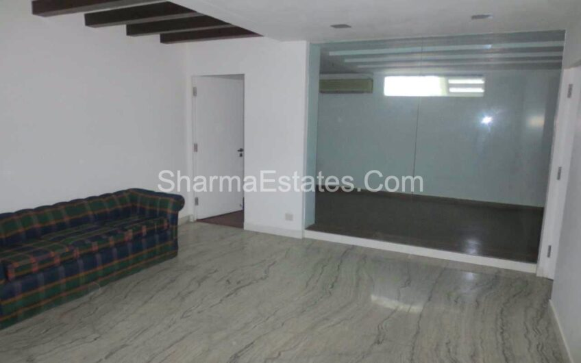 3 BHK Residential Apartment for Rent in Golf Links Lutyen's Delhi | Property on Ground Floor with Basement in Central Delhi