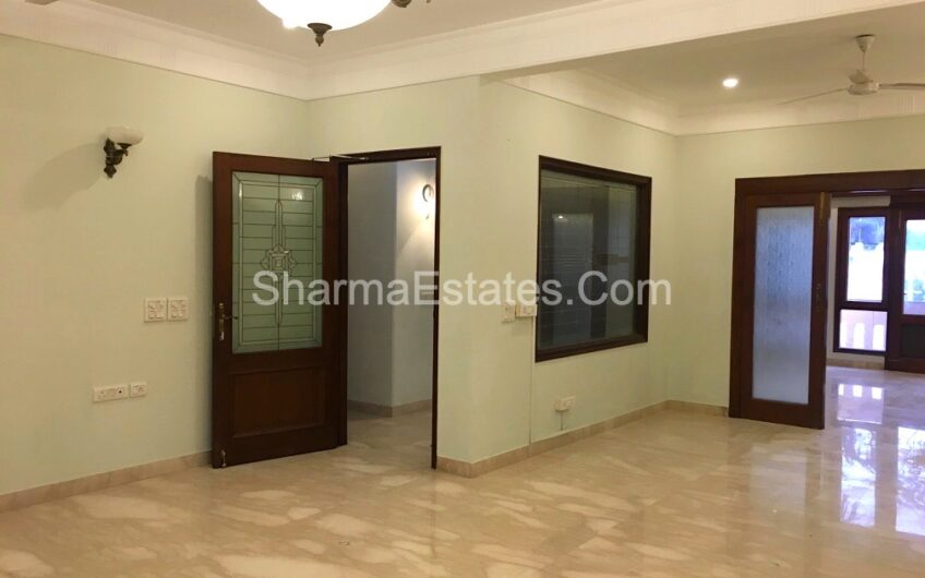 Residential Builder Apartment for Rent in Golf Links New Delhi | 4 BHK Luxury Apartment in Lutyen's Delhi