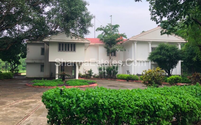 5 BHK Farm House for Sale in Pushpanjali Farms, New Delhi | 2.50 Acres Farm Houses in Bijwasan / Kapashera Estate, South Delhi