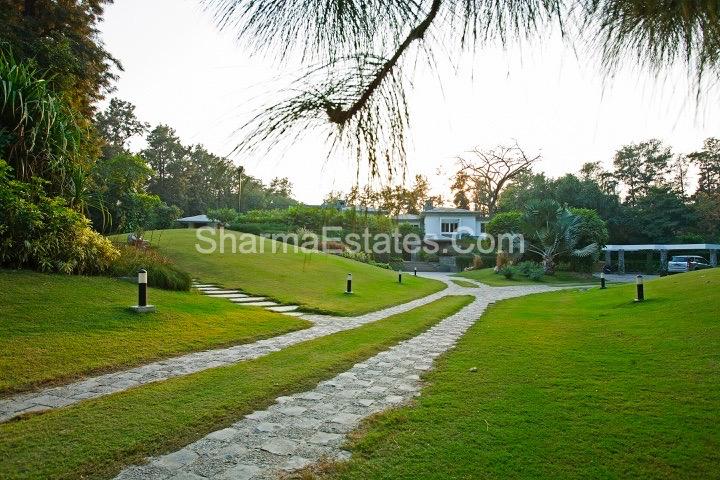 5 BHK 2.5 Acres Ultra Modern Farmhouse for Sale at Maulsari Avenue, Westend Greens Farms, Rangpuri, New Delhi